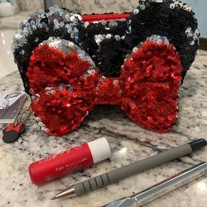NWT Sequin Minnie Mouse Pouch